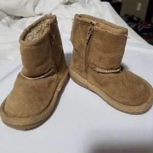 Toddler Airwalk Ugg-Style Boots - size 4